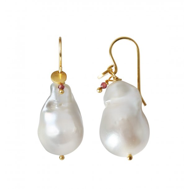 Stine A Baroque Pearl Earring With Gemstone