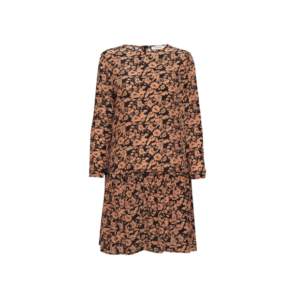 Nué Notes Omak Dress Sandstone